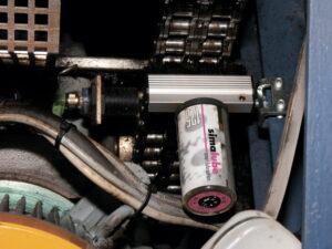 Дозатор смазки simalube® непрерывно обеспечивает приводную цепь смазкой, крепление щетки осуществляется непосредственно на U-образный профиль.