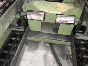 Лубрикаторы simalube, оснащенные щетками, устанавливаются на цепной конвейер. Таким образом, цепи непрерывно смазываются и одновременно очищаются.